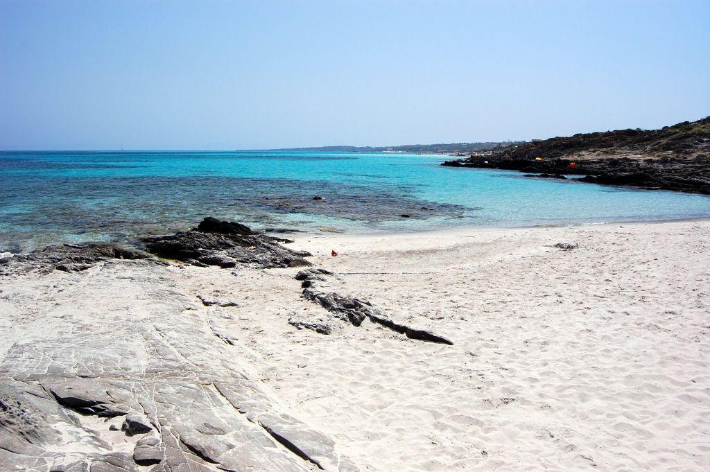 Stintino,_La_Pelosa_beach_-_panoramio_(4)[1]