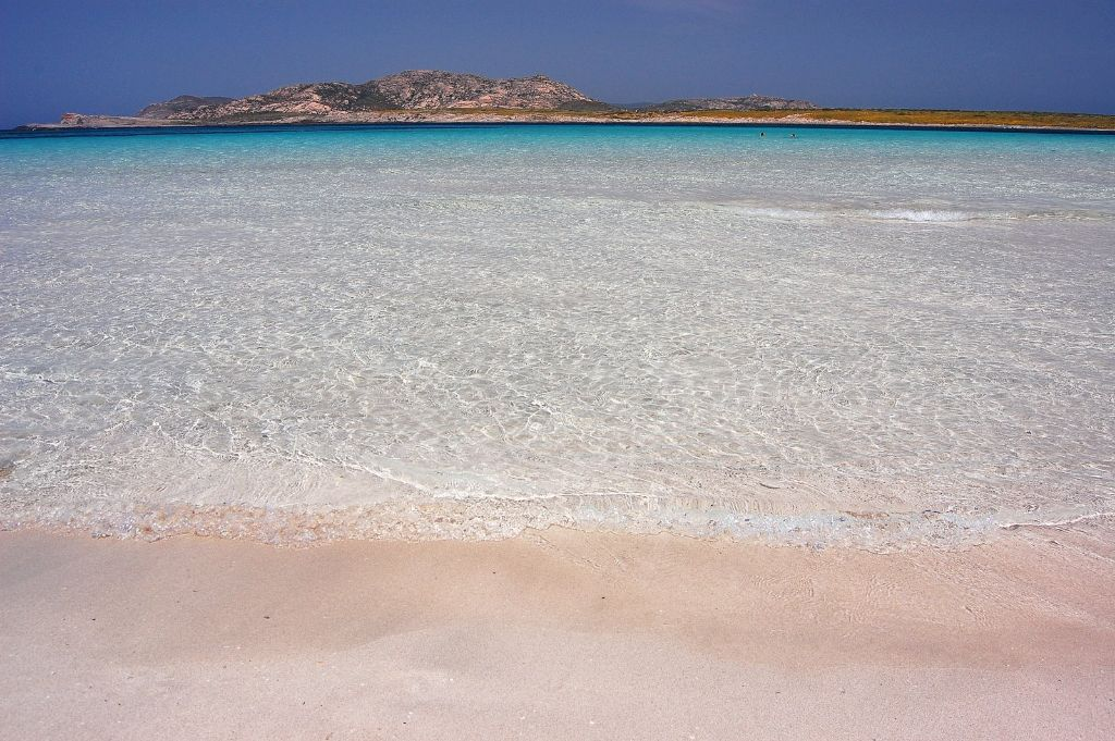 Stintino,_La_Pelosa_beach_-_panoramio_(8)[1]