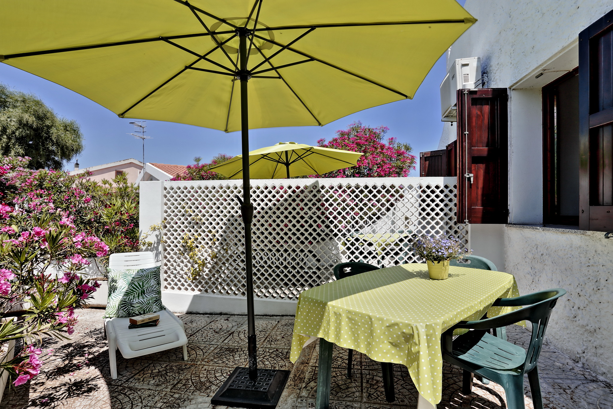 Studio con patio (8)